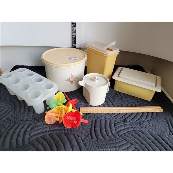 Vintage Tupperware containers & popsicle maker.