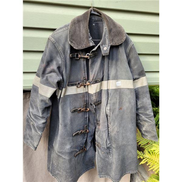 Chiefton fireman coat size 40 no helmet.