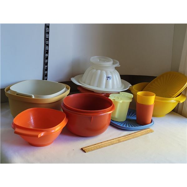 Lot of vintage Tupperware. Bowls, Cups, Jelly Mold, lids .
