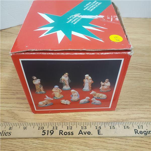 Vintage porcelain nativity set 11 pieces