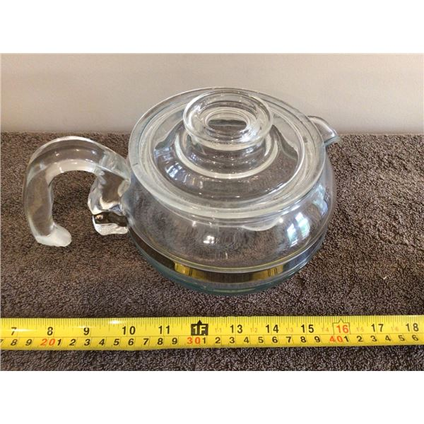 Pyrex 8446-B 6 cup teapot, small chip on inside of lid - see phots