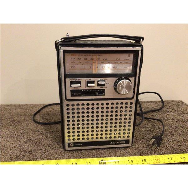 Vintage Lloyd's Radio 289A series, Model N713
