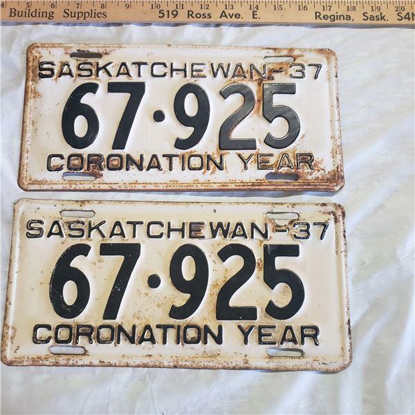 pair of Saskatchewan 1937  license plates 67-925