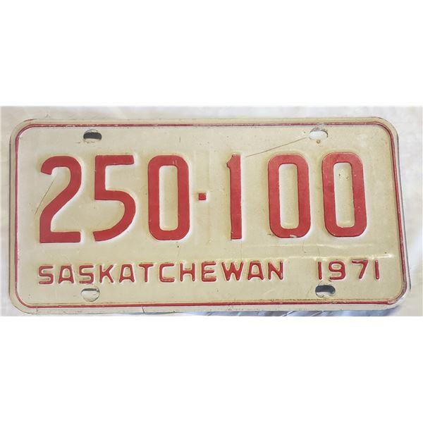 Saskatchewan license plate1971 250-100