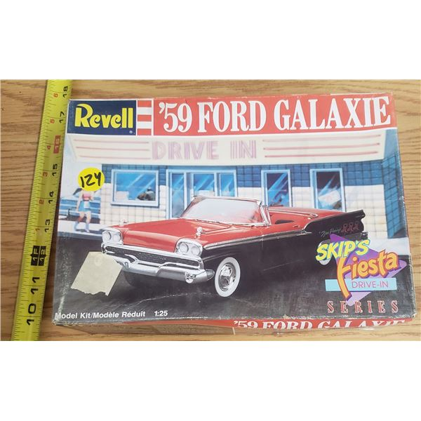 1959 Ford Galaxy Model Kit (Complete)