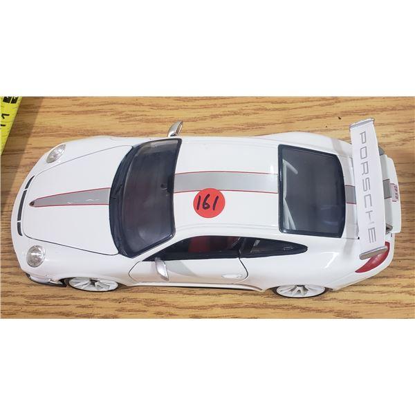 1/18 Scale Die Cast Porsche GTS