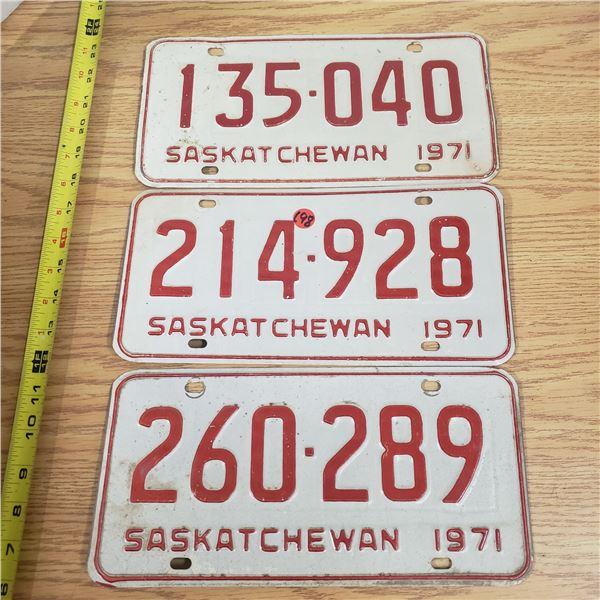 3x 1971 SaskatchewanLicense Plates