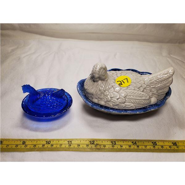 Miniature Royal Blue & Medium White & Blue Glass Hen on Nest (miniature tail chipped)
