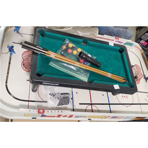 1960s Munroe Hot Shot hockey game with table top mini pool game