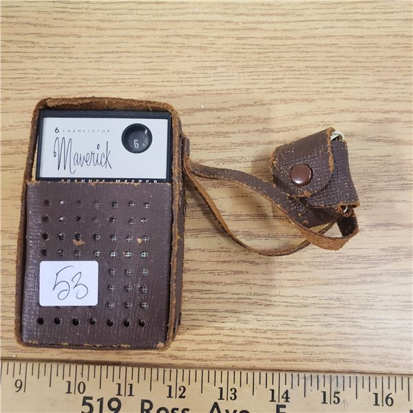 Channel master 6 transistor radio 6467A with case