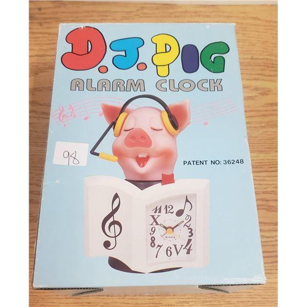 DJ Pig battery operated Alarm Clock GWO original box