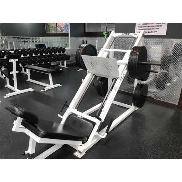LEG PRESS MACHINE WITH APPROX 820LBS OF WEIGHT