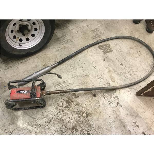 NORTHROCK PRO 2+ CONCRETE VIBRATOR WITH 11' WAND