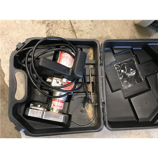 CRANE TOE KICK SAW WITH CARRY CASE