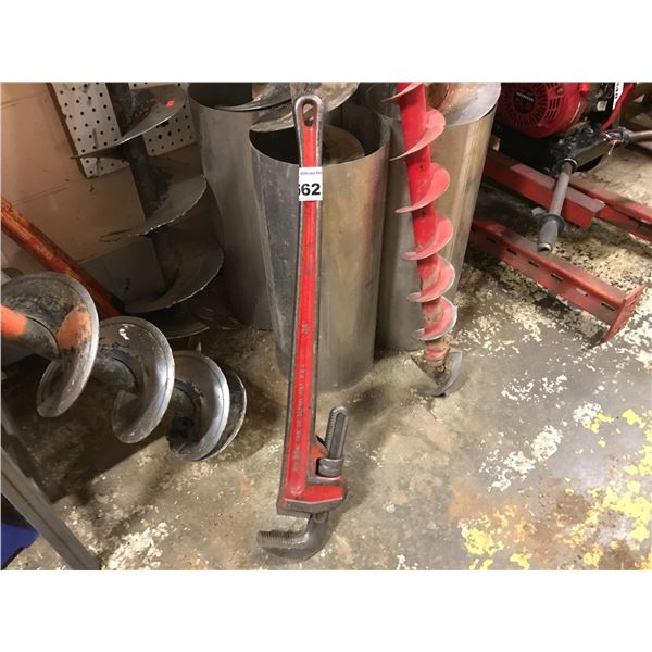 """32"""" PIPE WRENCH"""