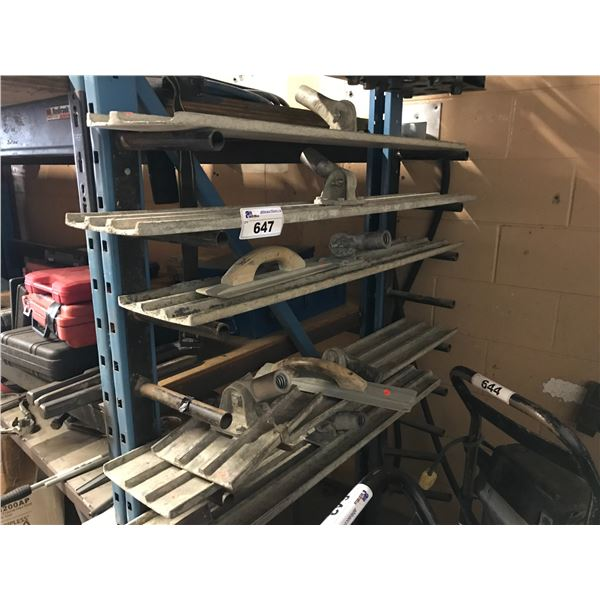 """5 CONCRETE FLOATS WITH 9 HANDLES (2 X 16"""" TROWELS, CEMENT GROOVER & GROOVER FLOAT)"""