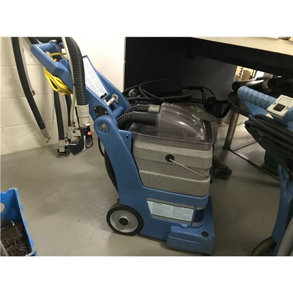 EDIC COMMERCIAL CARPET CLEANER MODEL 401TR, INCLUDES UPHOLSTERY ATTACHMENT