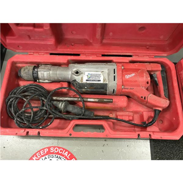 MILWAUKEE SDS-MAX HAMMER DRILL MODEL 5342-20 WITH 2 BITS & CARRY CASE