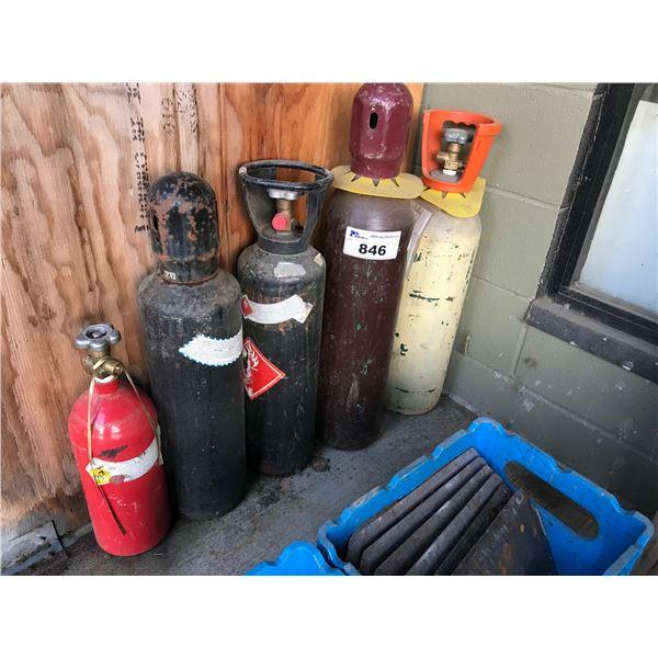 5 FULL BOTTLES OF GAS