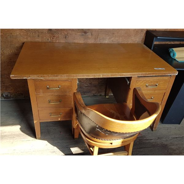 Vintage Desk 56 X 32 X 31 Inch