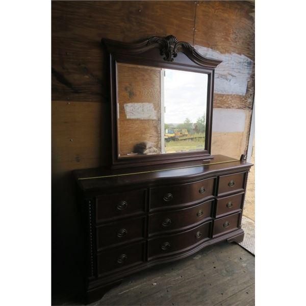 9 Drawer Dresser With Matching Mirror