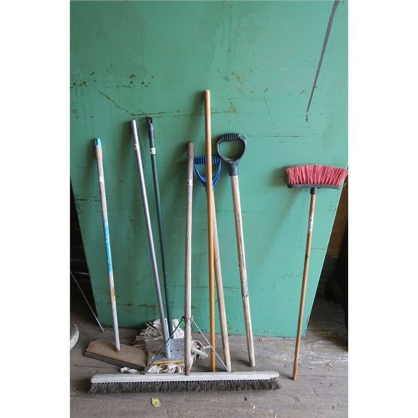 Pushbroom, Mop, Squeegy and Misc. Handles