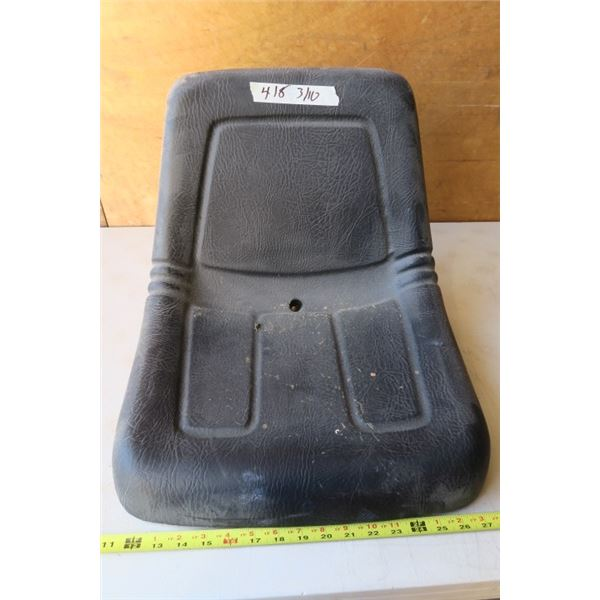 1 Soft Tractor Seat With Multiple Mounting Options