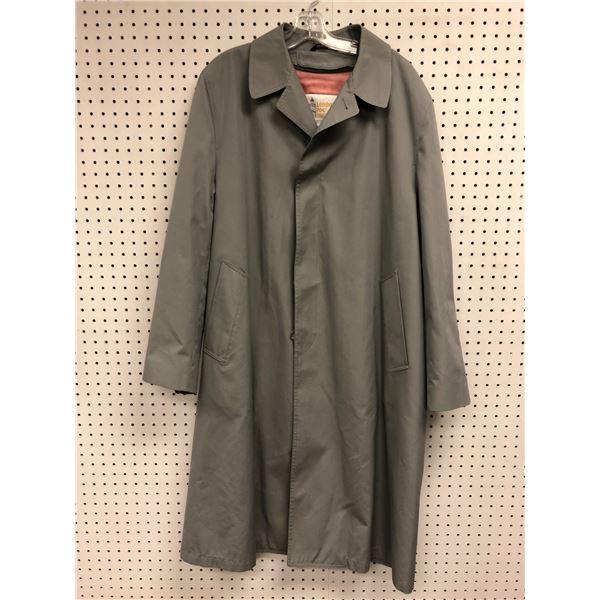 London Fog men's grey trench coat size 42 T/L