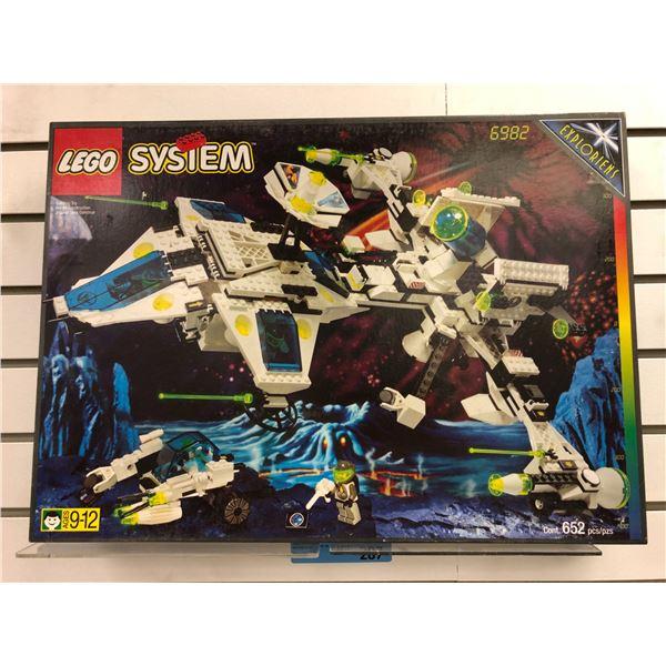 Lego System 6982 Exploriens - Explorien Starship 652 pcs. (NOS)