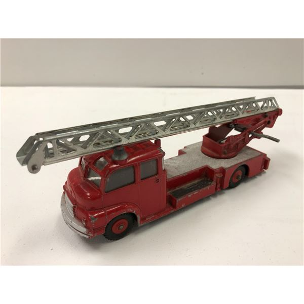Vintage Dinky Supertoys #956 Turntable Fire Escape Truck Meccano LTD Made in England