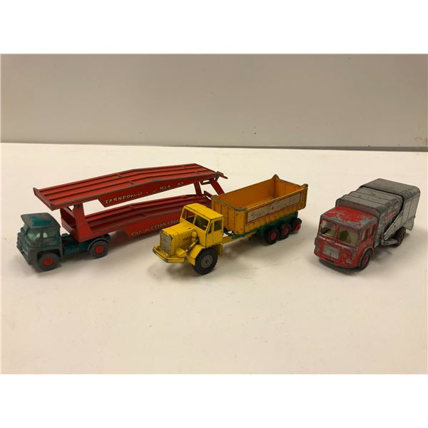 """Group of 3 vintage Lesney Made in England toy trucks - """"Matchbox"""" series king size refuse truck/ No."""