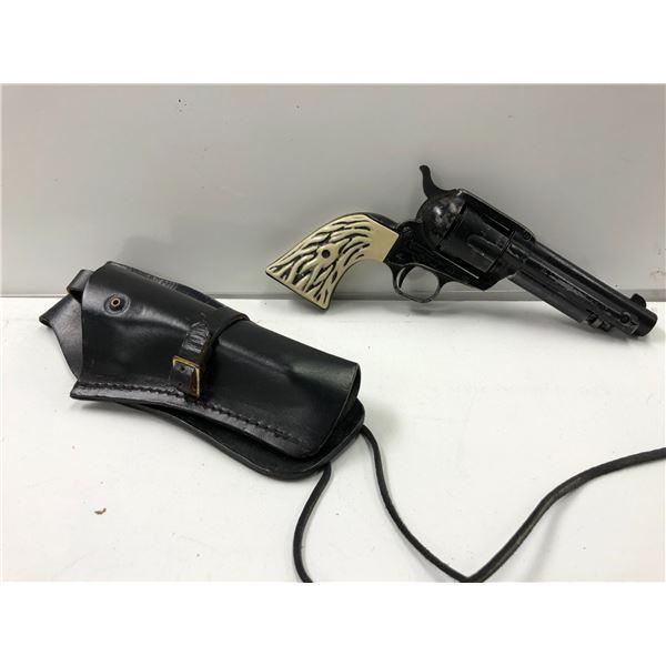 Vintage Crosman single action #6 CO2 pellet pistol w/ black leather case