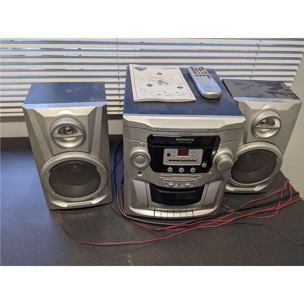 Magnavox bookshelf stereo w/ remote & manual