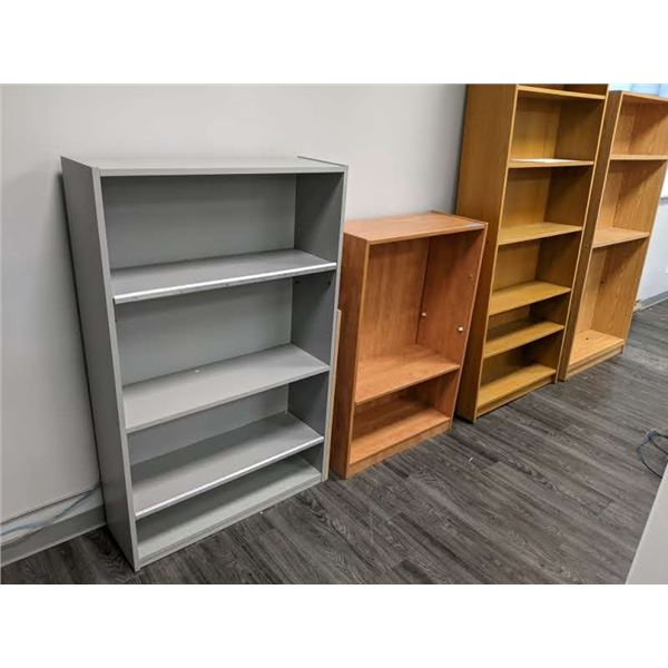 Group of 4 assorted sized bookshelves