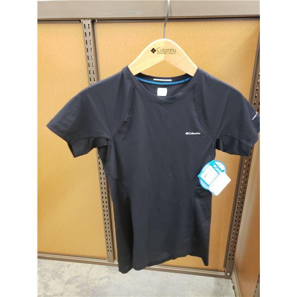 BLACK COLUMBIA T-SHIRTS