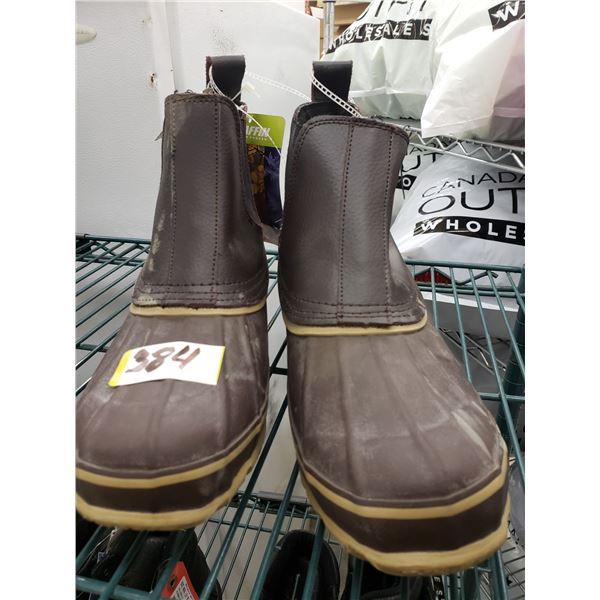 BAFFIN SHORT BROWN RUBBER BOOTS SIZE 9 MENS