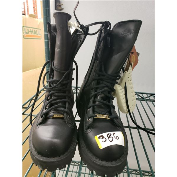 DNNERS BOOTS SIZE 6 WOMENS