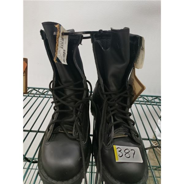 DANNERS SAFETY TOE BOOT INSULATED SIZE 6 1/2 WOMENS