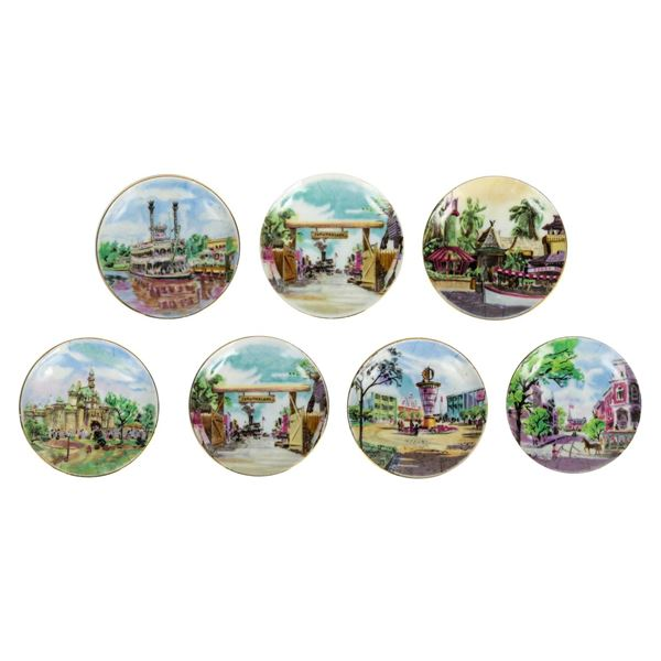Collection of (7) Small Hanging Wall Plates.