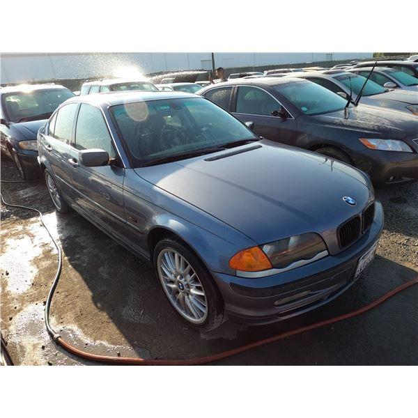 BMW 330I 2001 SALV T/DONATION