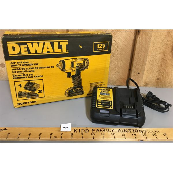 DEWALT 3/8 INCH IMPACT WRENCH KIT W/ EXTRA CHARGER - NEW