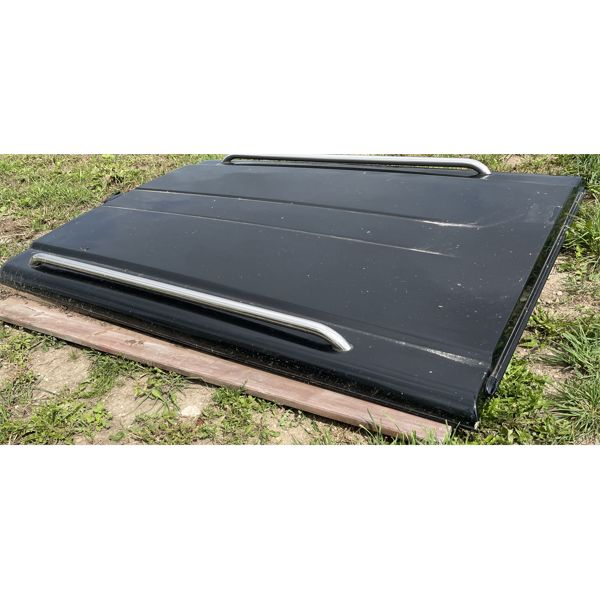 8' ARE TRUCK TONNEAU COVER OFF RECENT FORD TRUCK