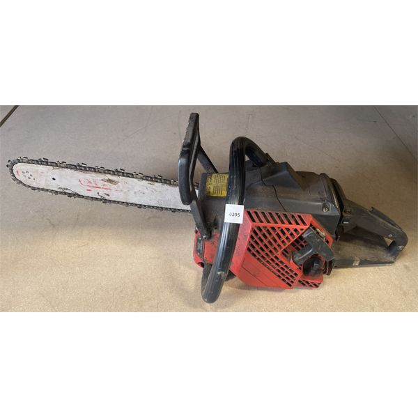 JONSERED MODEL 2051 CHAINSAW - RUNS BUT NEEDS A TUNE-UP