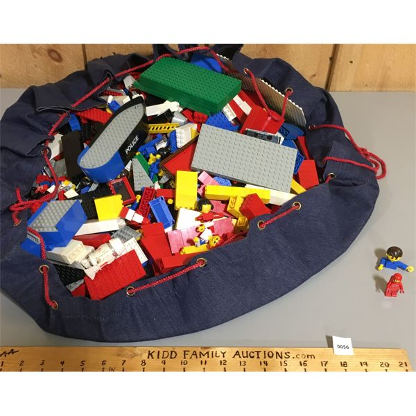 OFFICIAL LEGO CARRY-ALL BAG WITH LARGE QTY OF PIECES