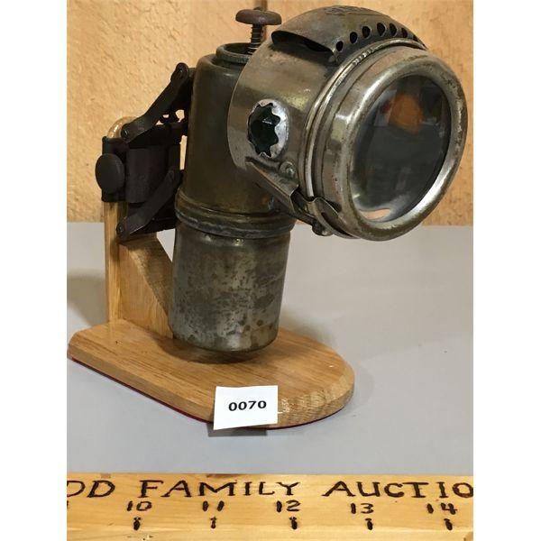 LUXOR CARBIDE (ACETYLENE) BICYCLE LAMP- C. 1900
