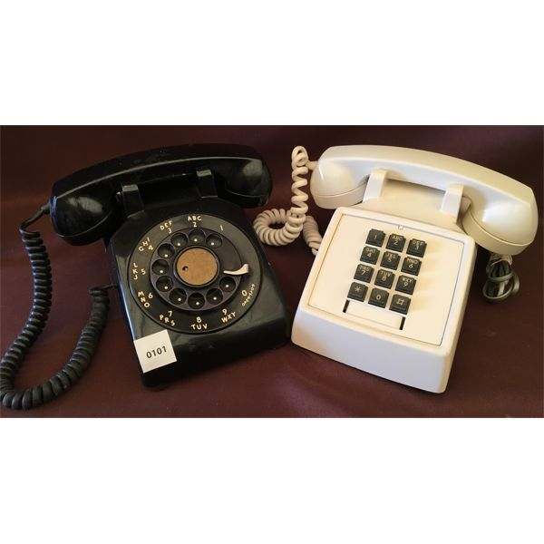 LOT OF 2 - VINTAGE ROTARY AND PUSH BUTTONS PHONES