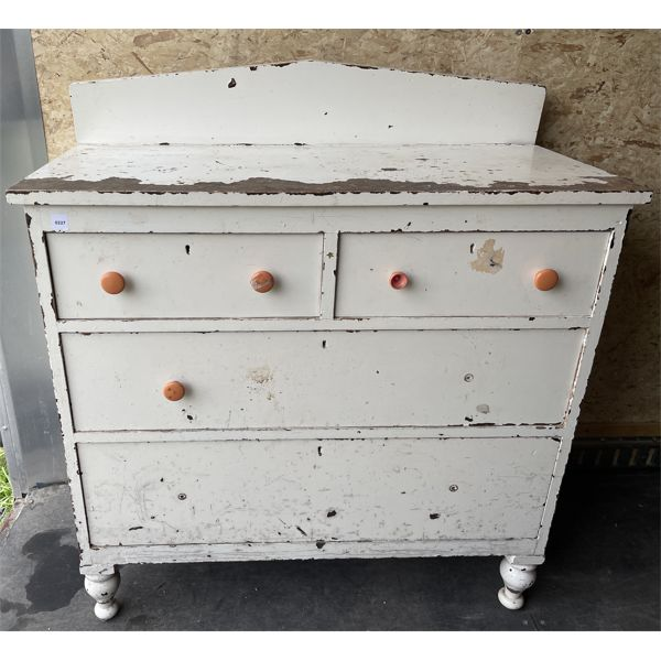 PAINTED PINE 4 DRAWER DRESSER - 18 X 38 X 40 INCHES