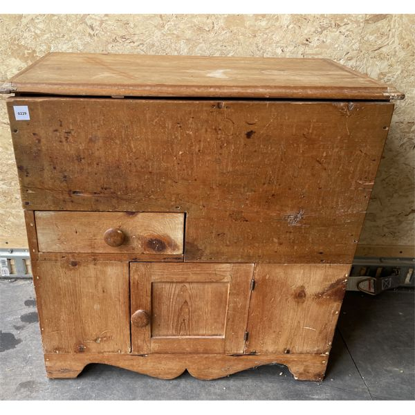ANTIQUE PINE COMMODE - 19 X 28 X 29 INCHES