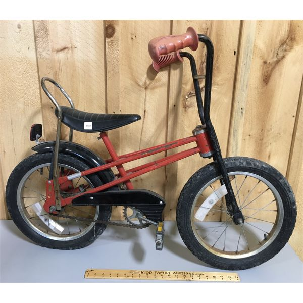 VINTAGE CHILDS BICYCLE WITH BANANA SEAT