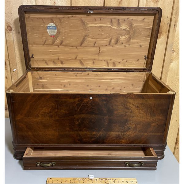 ANTIQUE BOSHART SOLID CEDAR CHEST 19 X 21 X 39 INCHES - WITH DRAWER